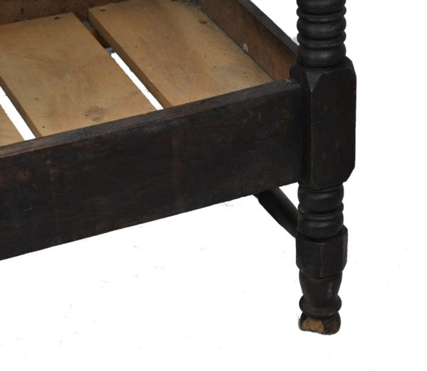 sculpted wood bench's foot 19th century