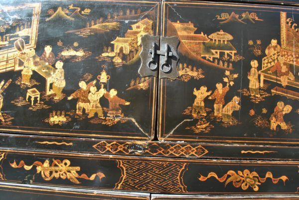 armoire Chine chinoiseries usures